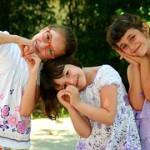 girls-946287__180